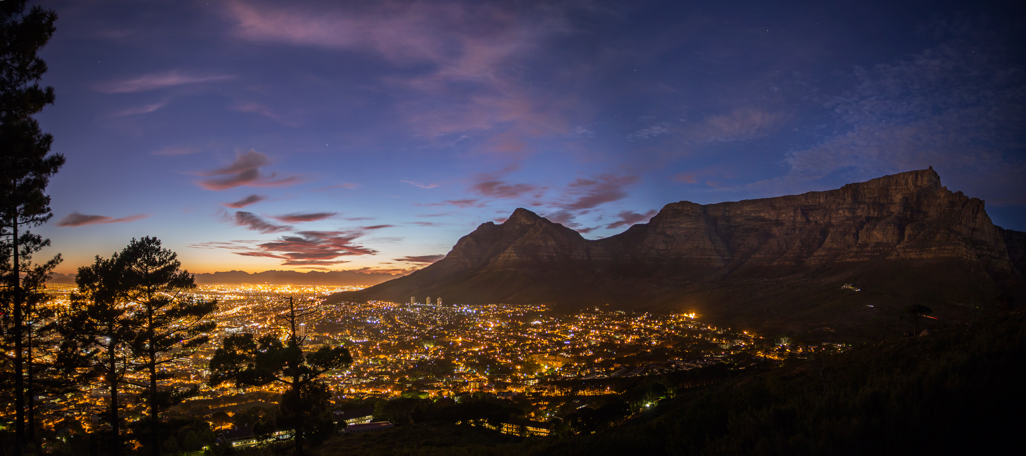 Cape-Town-Table-Mountain-CBD-Night