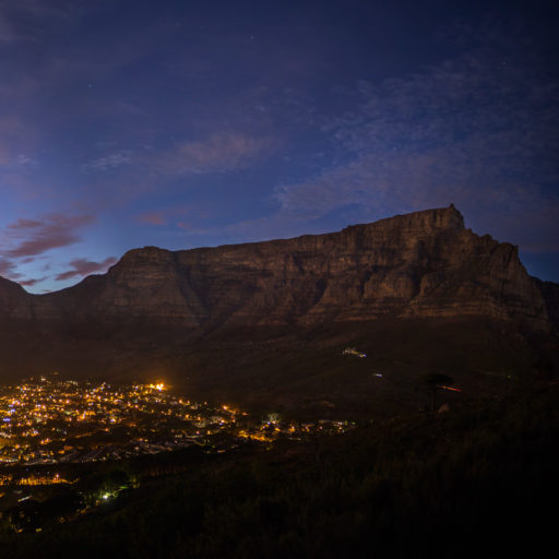 cropped-Cape-Town-Table-Mountain-CBD-Night-1.jpg