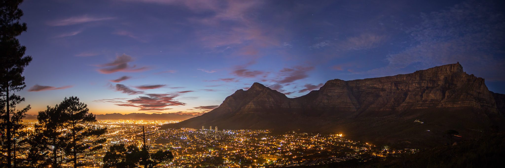 cropped-Cape-Town-Table-Mountain-CBD-Night.jpg
